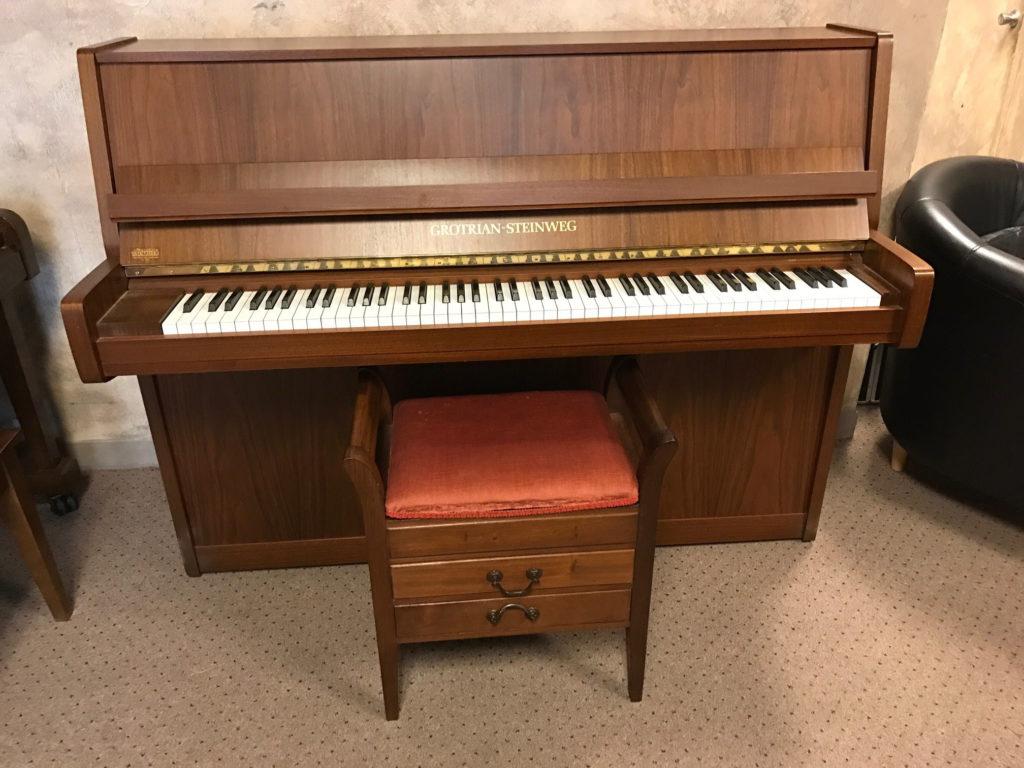 Handmade GERMAN UPRIGHT PIANO - Grotian Steinweg $5,995