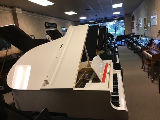 Beautiful YAMAHA BABY GRAND PIANO - One Owner | Non Gray Market -$7,500