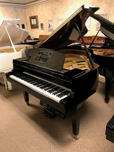 Like new yamaha disklavier baby grand piano 9 500 for Price of a yamaha baby grand piano