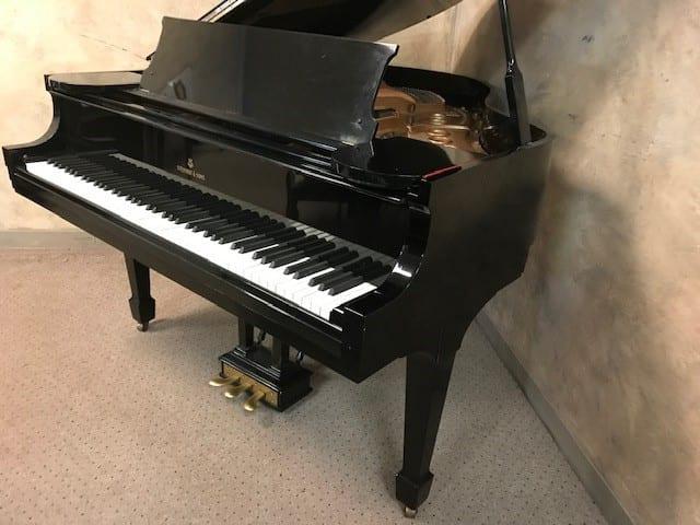 Beautiful STEINWAY & SONS Baby Grand Piano - $14,500
