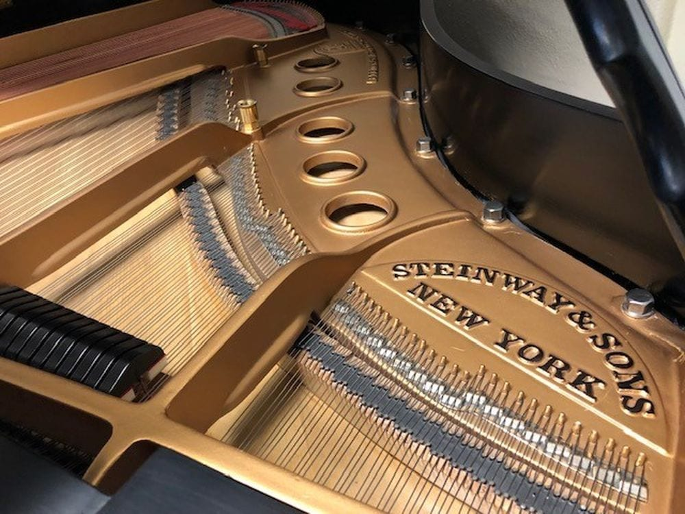 STEINWAY & SONS Baby Grand Piano