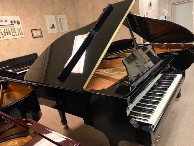 Steinway & Sons's Designed Boston Grand Piano