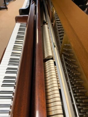 YAMAHA VERTICAL PIANO